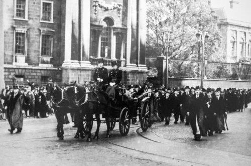 Funeral Carriage - Nichols Funeral Directors